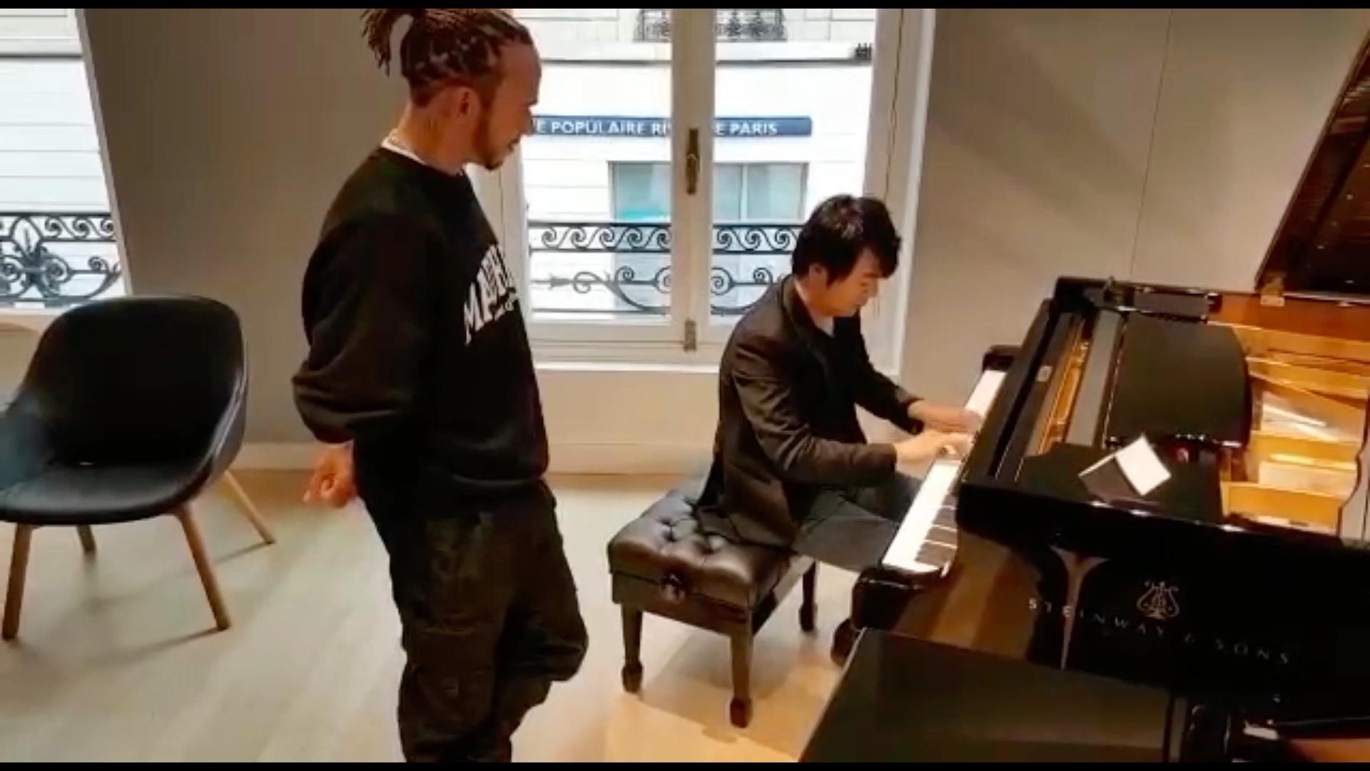 张飞吃豆芽_看大家很有兴趣看我们切磋,来个加长版和汉密尔顿的钢琴缘分 ...