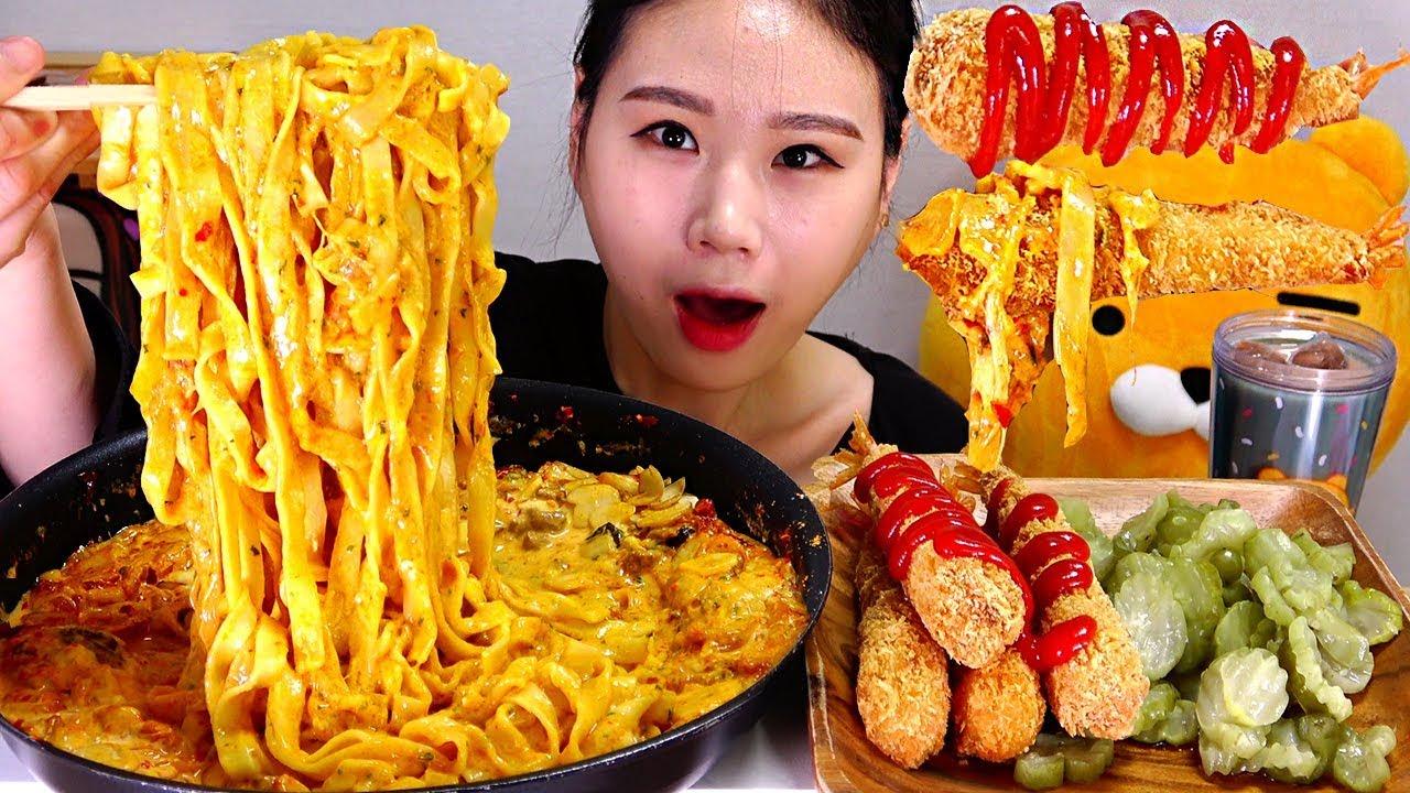 【卡妹】用辣丝拌泡菜做的泡菜奶油意大利面炸虾吃播Mukbang(2019年9月10日21时2分)