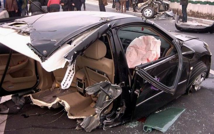 女司机被自己车压死_安全驾驶的全部相关视频_bilibili_哔哩哔哩弹幕视频网