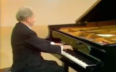 月光钢琴曲贝多芬_贝多芬:月光奏鸣曲 钢琴大师肯普夫演奏_哔哩哔哩 (゜-゜)つロ ...