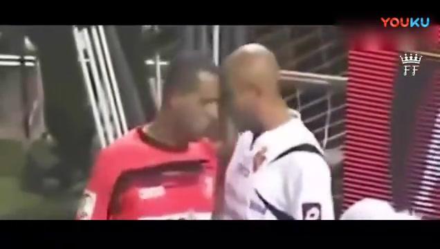 足球场上的搞笑视频, 肚子都笑抽了