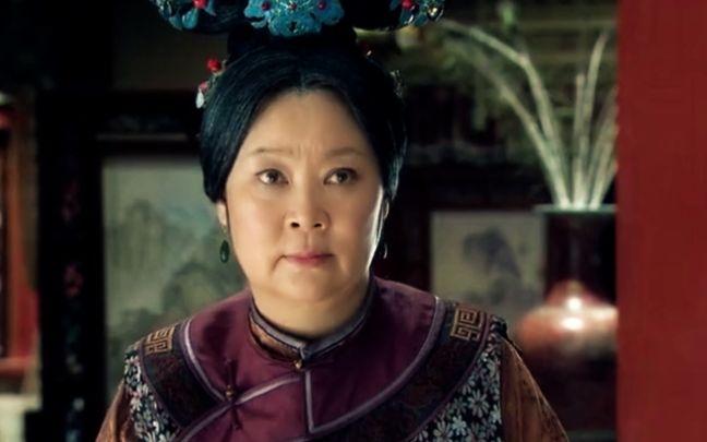 皇嫂田桂花全集_而她最有名的电视剧还是《皇嫂田桂花》,她的演技没有辜负捧她的