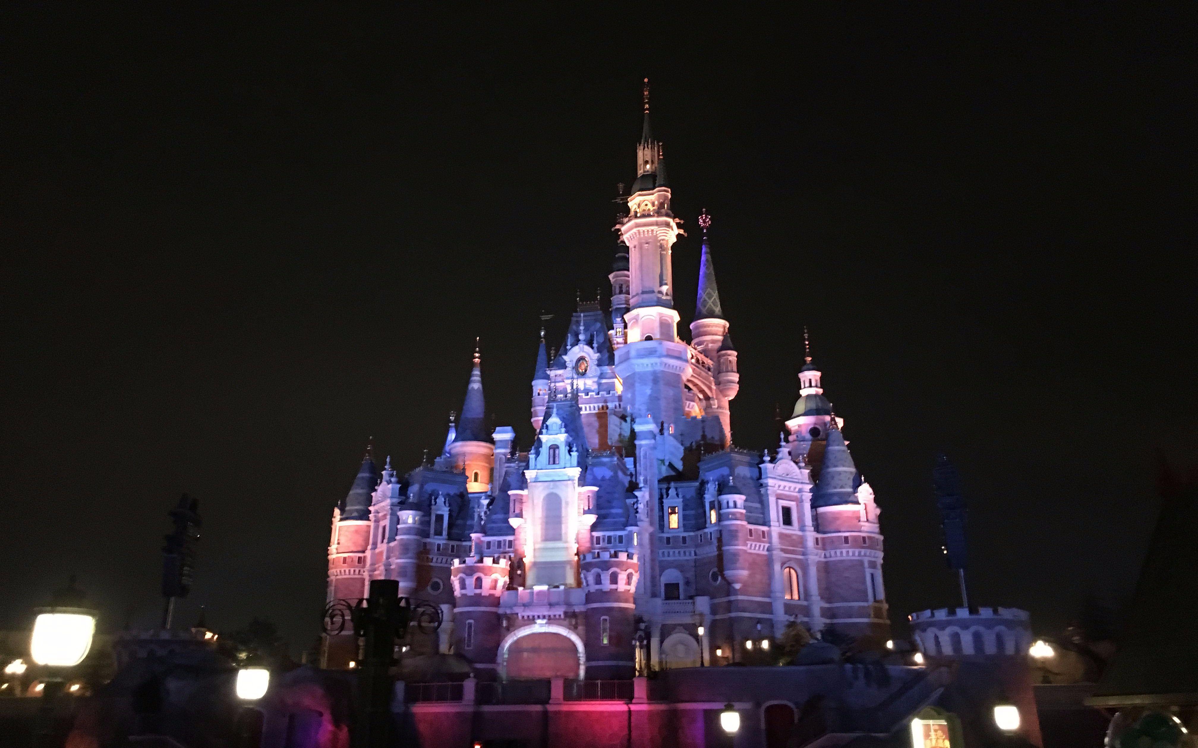 迪士尼乐园表演时间_【迪士尼乐园】上海迪士尼乐园-烟火表演_日常_生活_bilibili_哔哩 ...