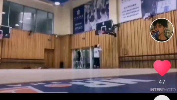 爆笑五十欢乐多陈俊安外传—篮球世界奇遇记