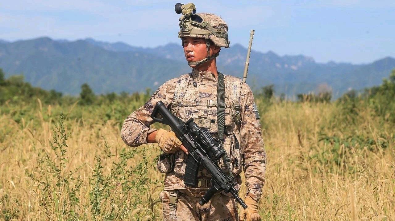 解放军模拟作战系统_解放军新一代信息化单兵综合作战系统 - 哔哩哔哩