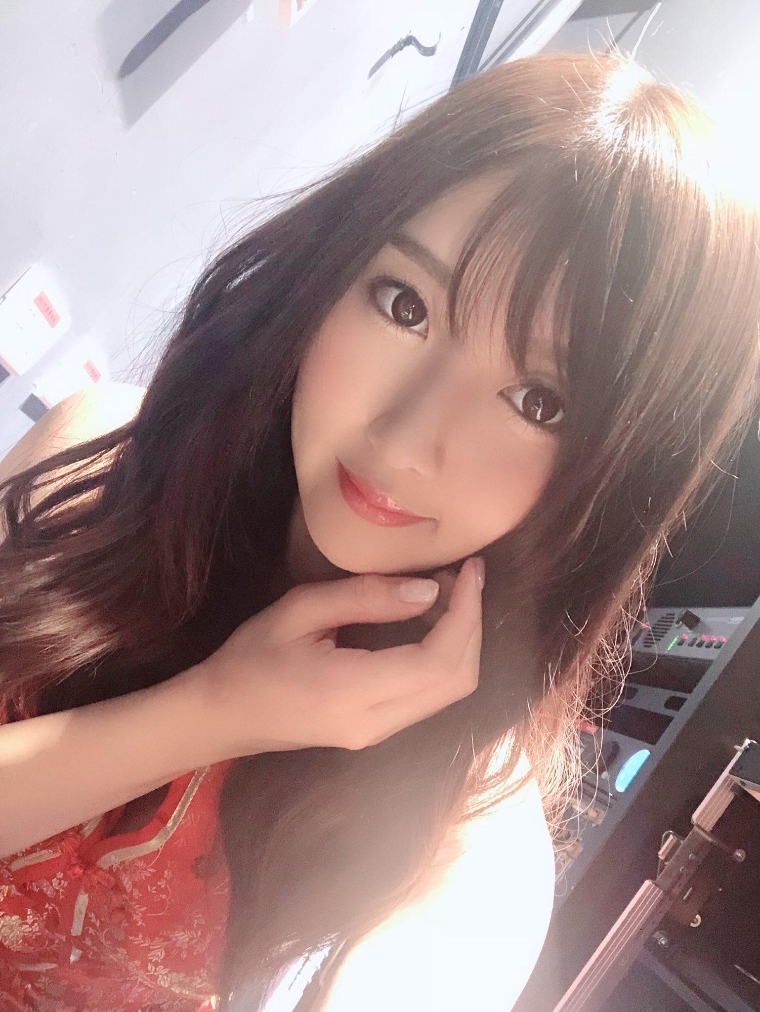 275 35 19 >> 「女神每日动态」 2019-01-20 明日花绮罗 樱空桃…等 - 哔哩哔哩