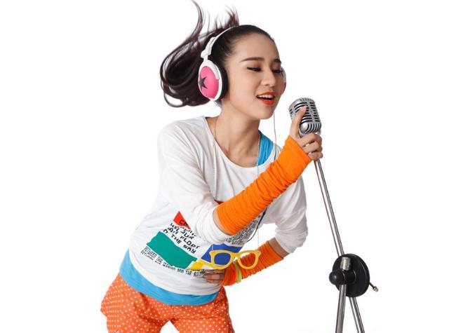 新手学唱歌技巧和正确发声方法