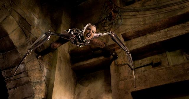 《阿丽塔:战斗天使》上映 核能美少女来袭