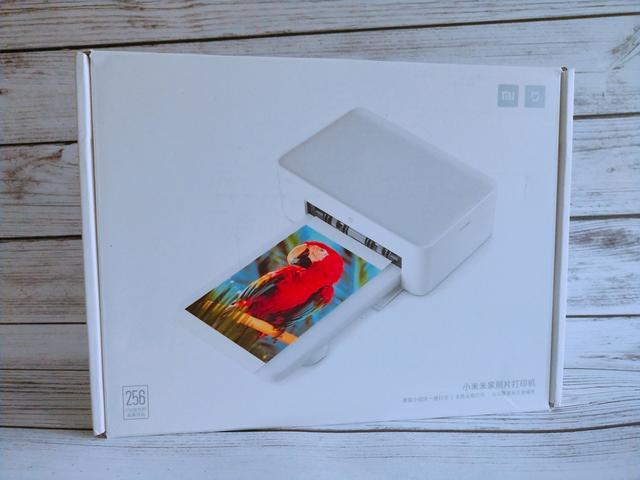 米家照片打印机还原真实色彩,打印覆膜一气呵成用时不到二分钟