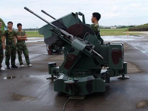 加特林多管机关炮_中国台湾M45四联装.50高射机枪 - 哔哩哔哩