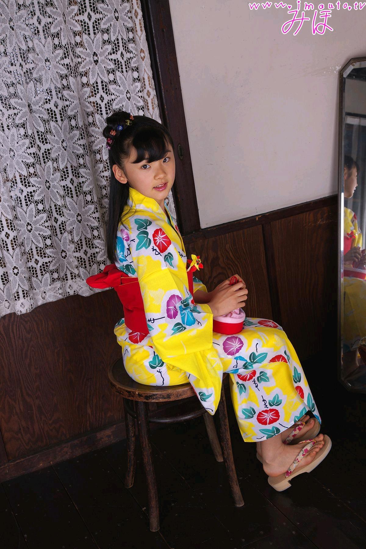 金子美穗  泳装 一位少女
