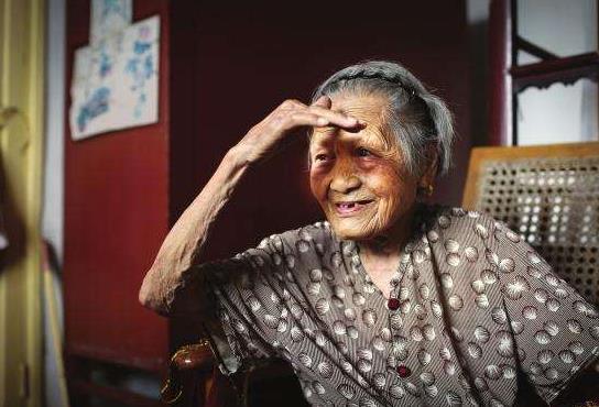 时隔73年后,109岁抗战老兵想找丈夫照片,志愿者辗转从宝岛送来