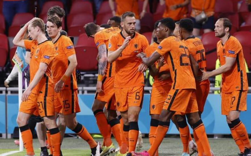 荷兰和阿根廷攻势足球谁更强