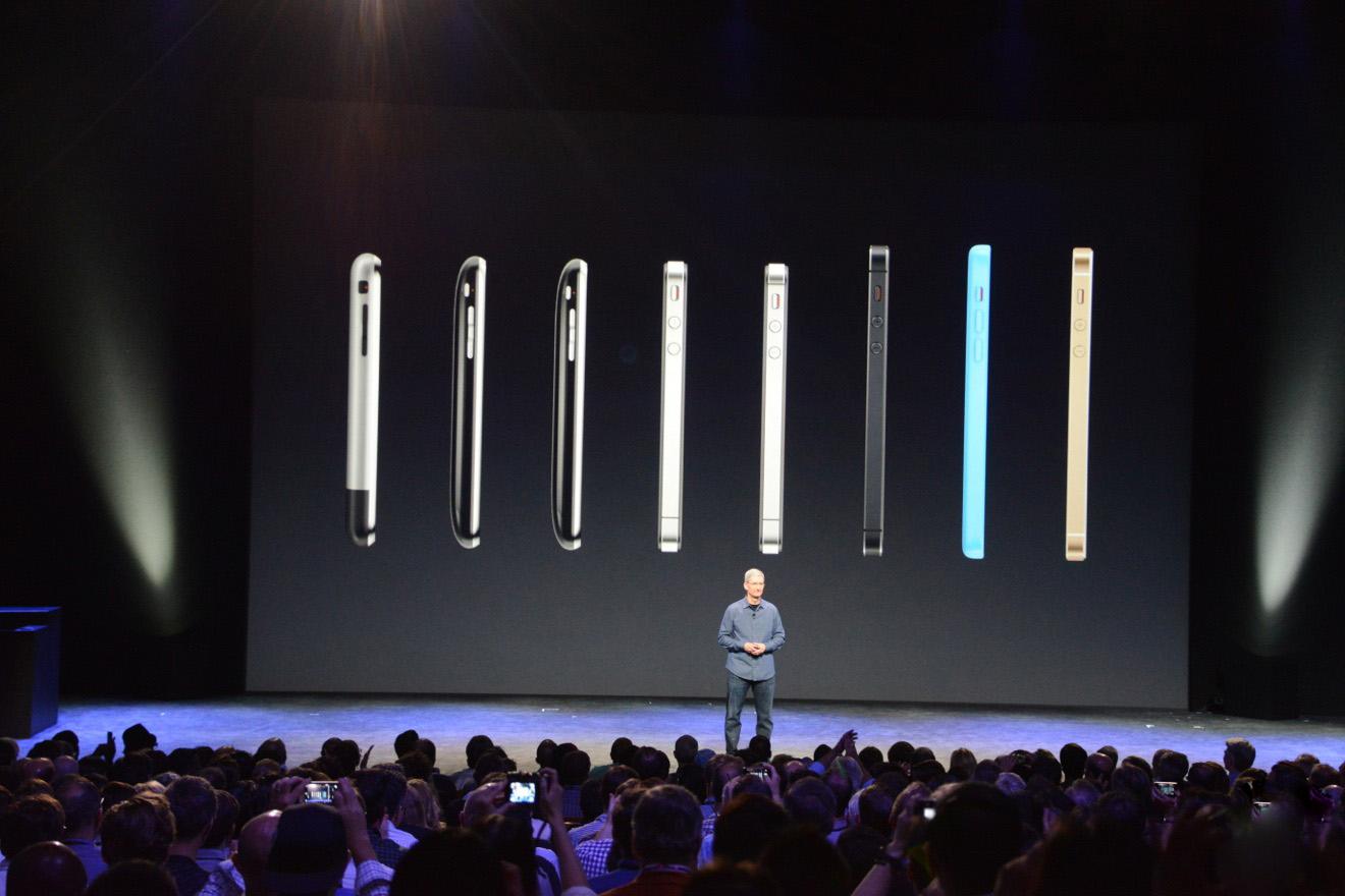 苹果发布会预计9月12召开,iPhoneXR2成最丑浴霸,苹果调价意愿低