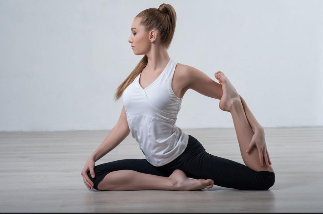 减肥瑜伽_减肥瑜伽教程之腰部练习视频_车视网