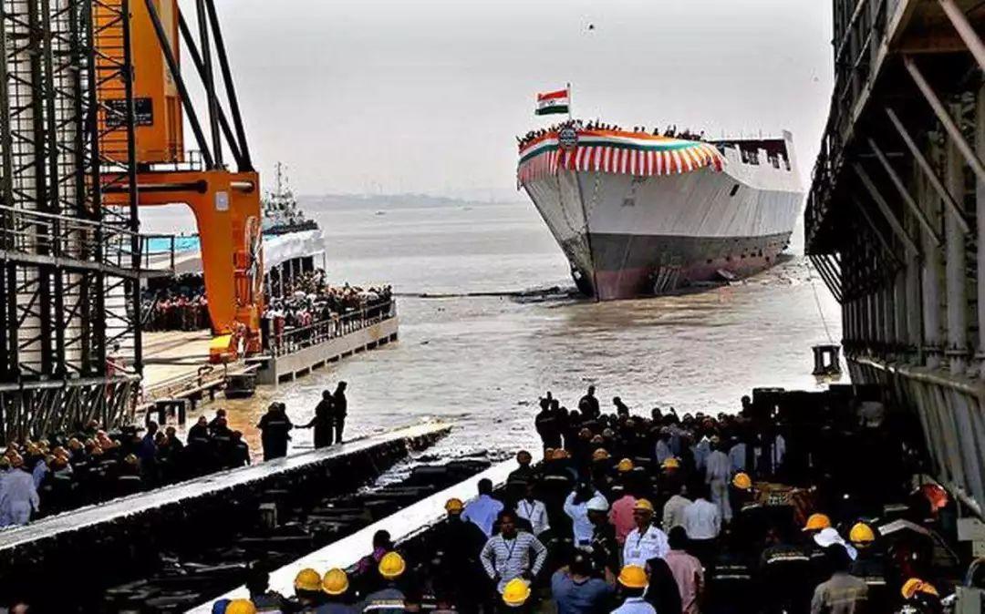 中国第四艘052D型驱逐舰下水_不到最后一天,你根本不知道中国下了多少饺子…… - 哔哩哔哩