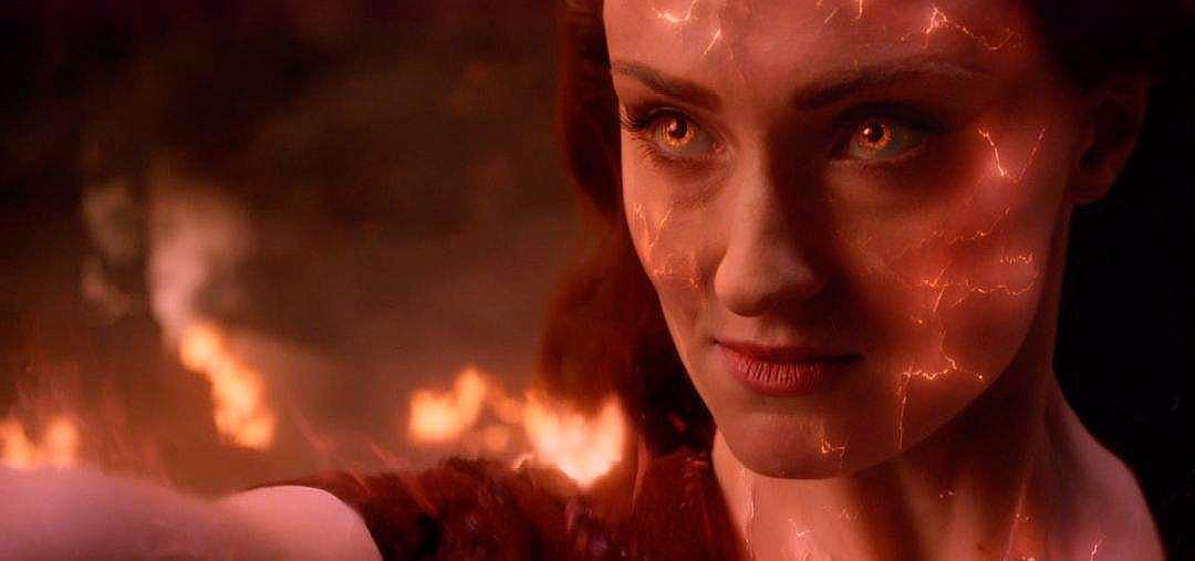 《X战警:黑凤凰》:魔形女被凤凰之力秒杀,琴跟BOSS同归于尽!