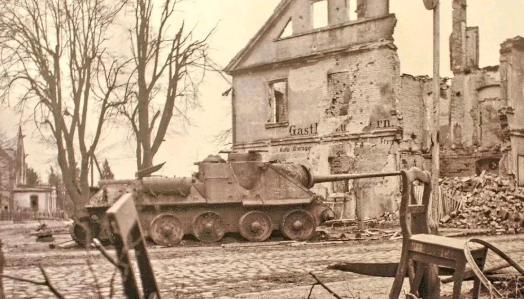 苏维埃猎手:SU-100坦克歼击车