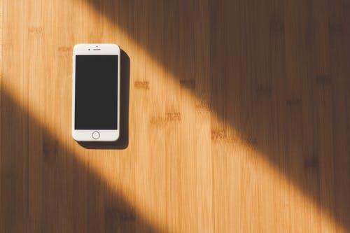 高端手机需求正在放缓,苹果最需要iPhoneSE2的时机到了